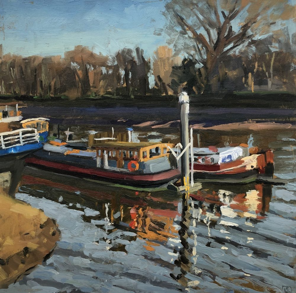 Houseboats at Chiswick Pier by Lesley Dabson
